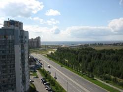 Вид из окна на залив